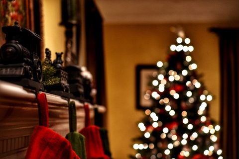 Christmas_Tree_and_Mantle